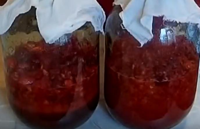 domashnee-klubnichnoe-vino